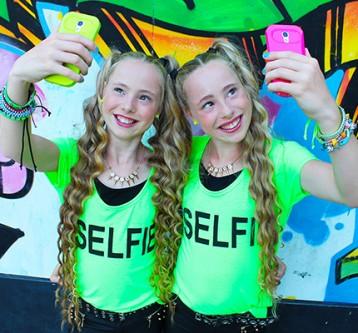 Videoclip Me & My Selfie